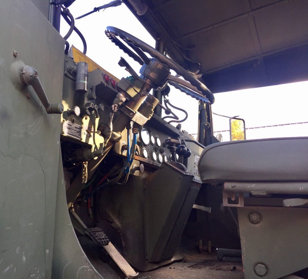 awesome shape 1986 AM General M932 Semi Truck military