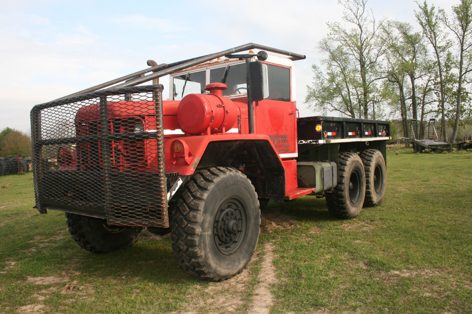 clean 1970 Kaiser M818 5TON Military 6X6 Cargo Truck for sale