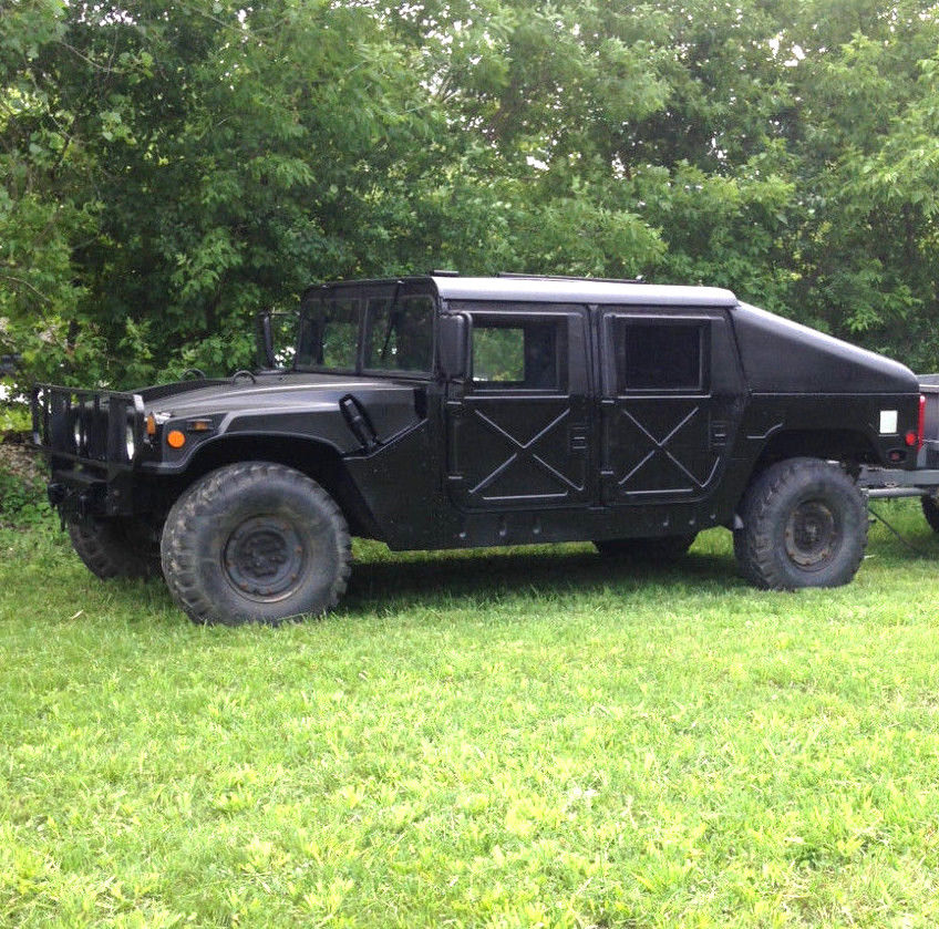 new paint 1986 AM General Humvee military
