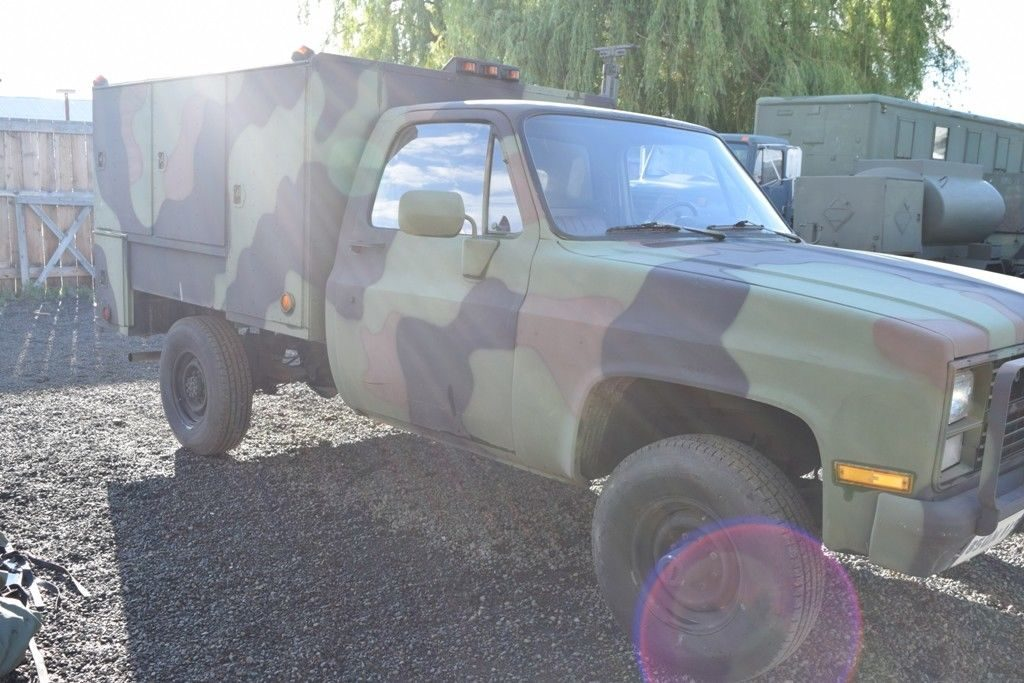 generator equipped 1986 Chevrolet M1031 CUCV Shop