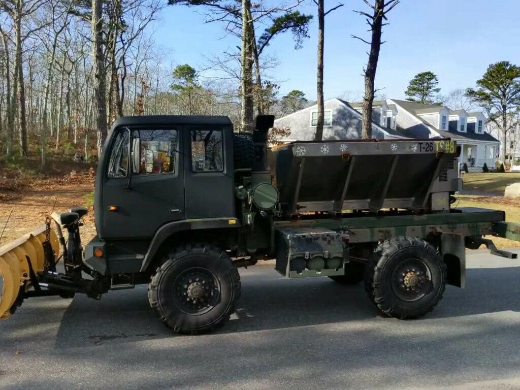 low miles 1997 Stewart & Stevenson M1078 Army Plow Truck Military
