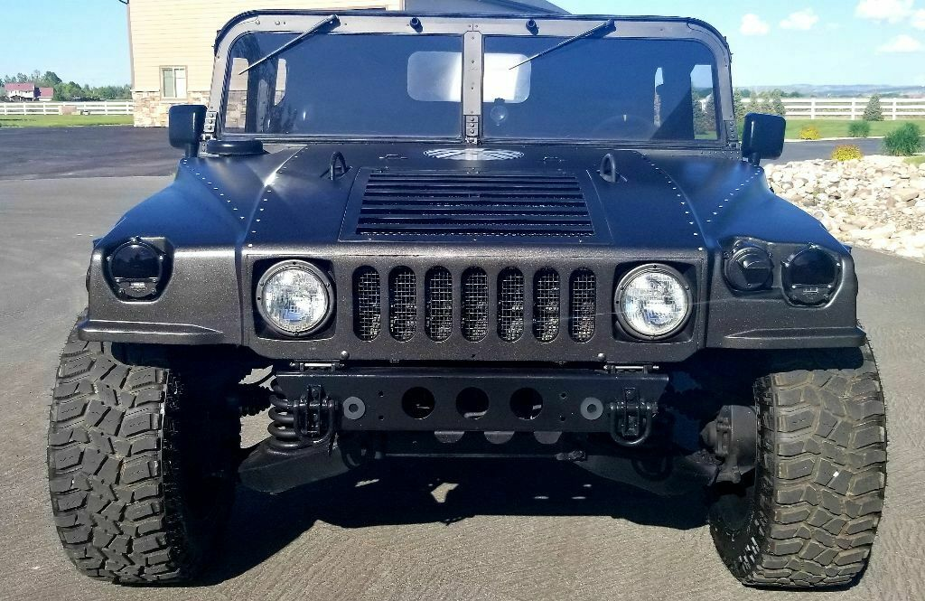 customized 1986 AM General Humvee military