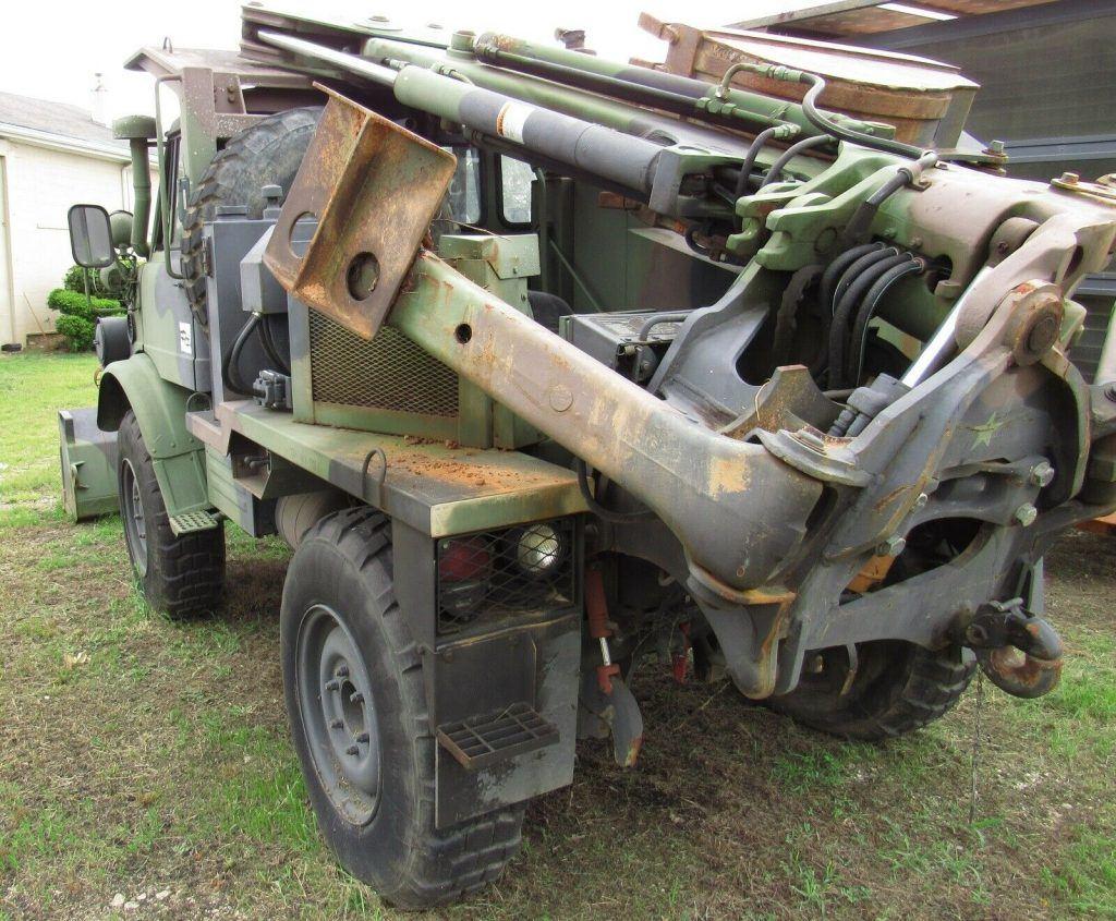 Front Loader Excavator 1988 Unimog 419 FLU  Military