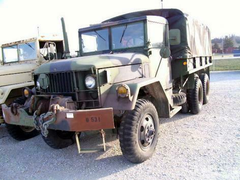 Vintage 1967 Kaiser 6X6 Jeep Truck military