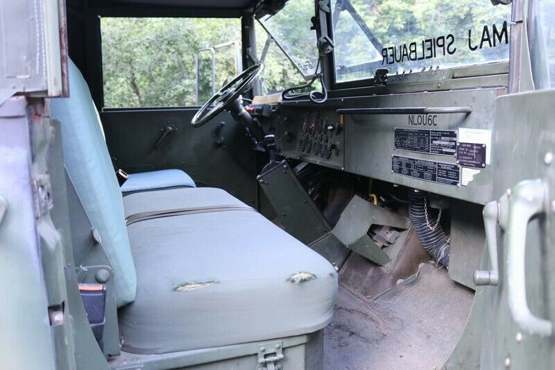 strong 1990 BMY M923a2 5 Ton Truck Military