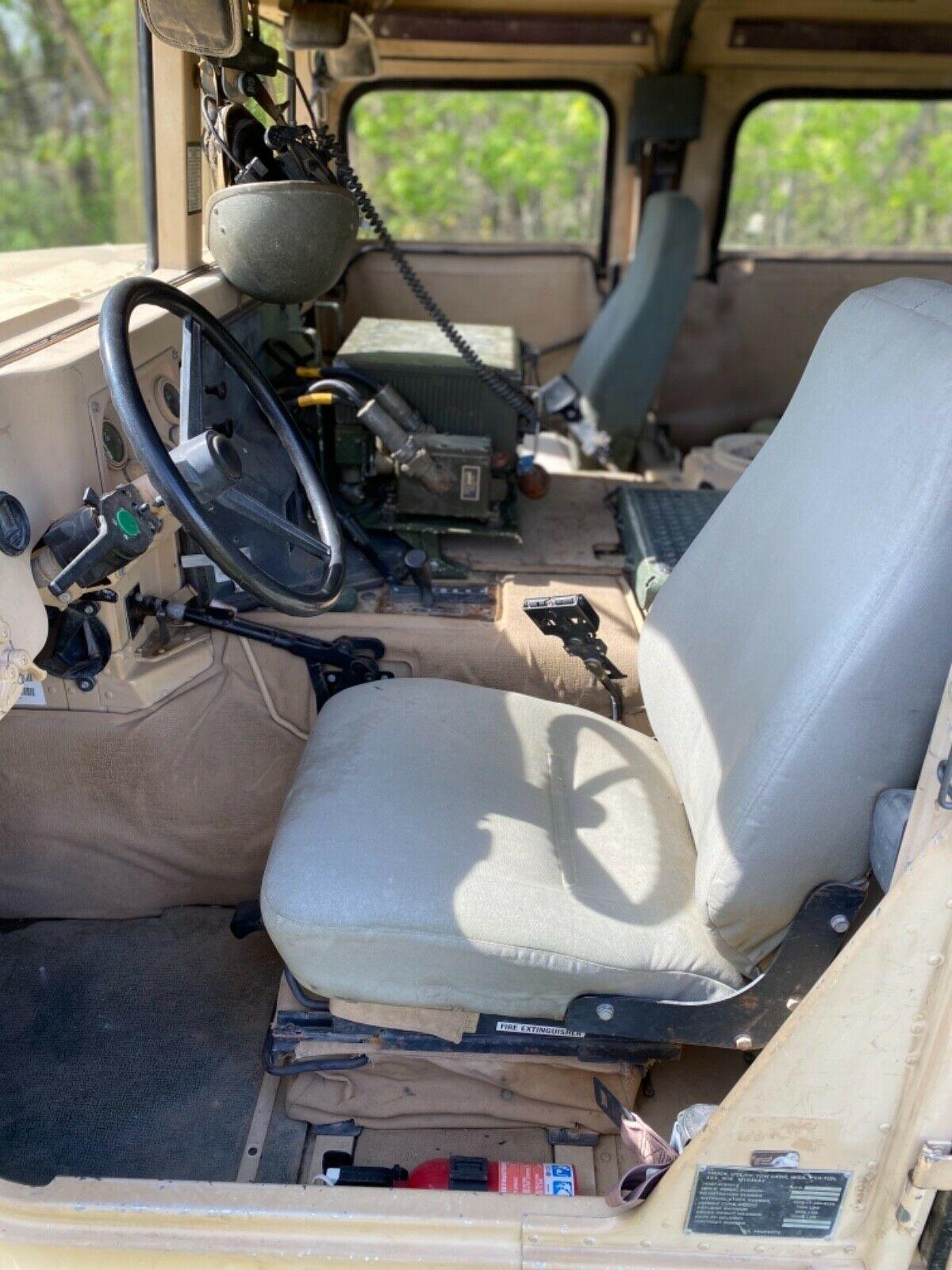 runs and drives 2001 AM General M1045a2 Hmmwv military
